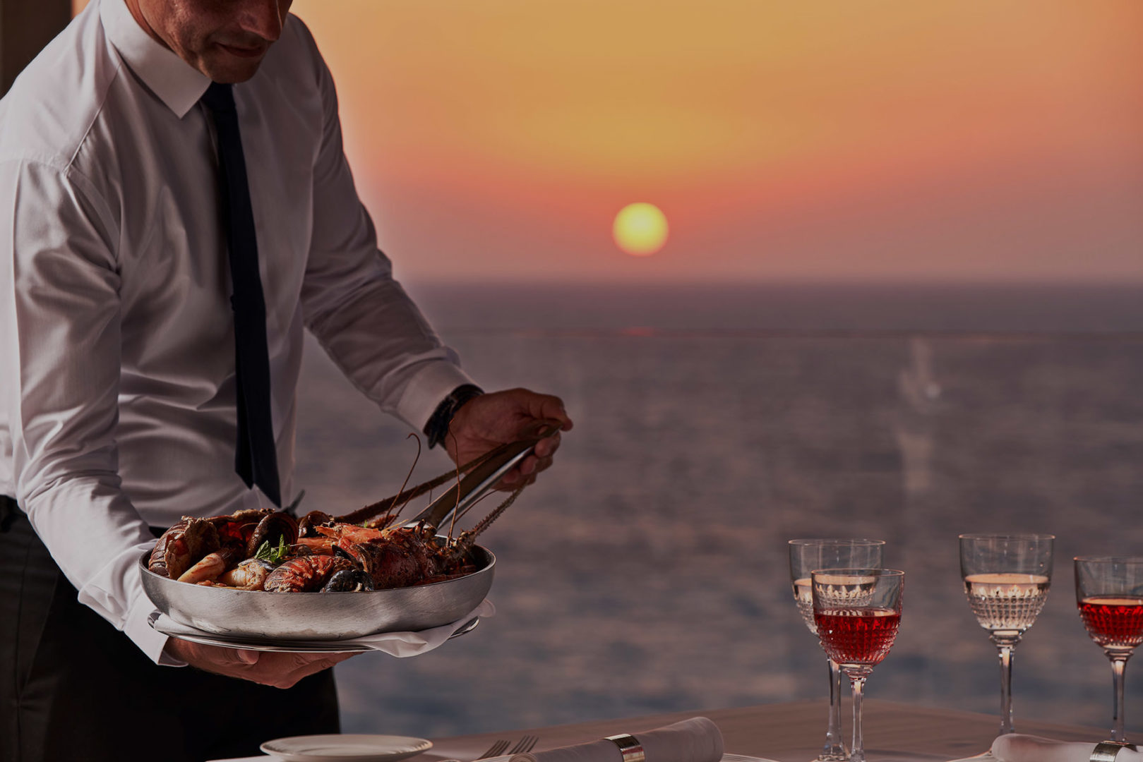<h1>Unique Sunset Experiences for an unforgettable stay</h1>